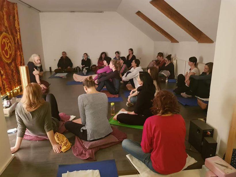 Ponuka prednášok a workshopov pre čajovne a jógové centrá