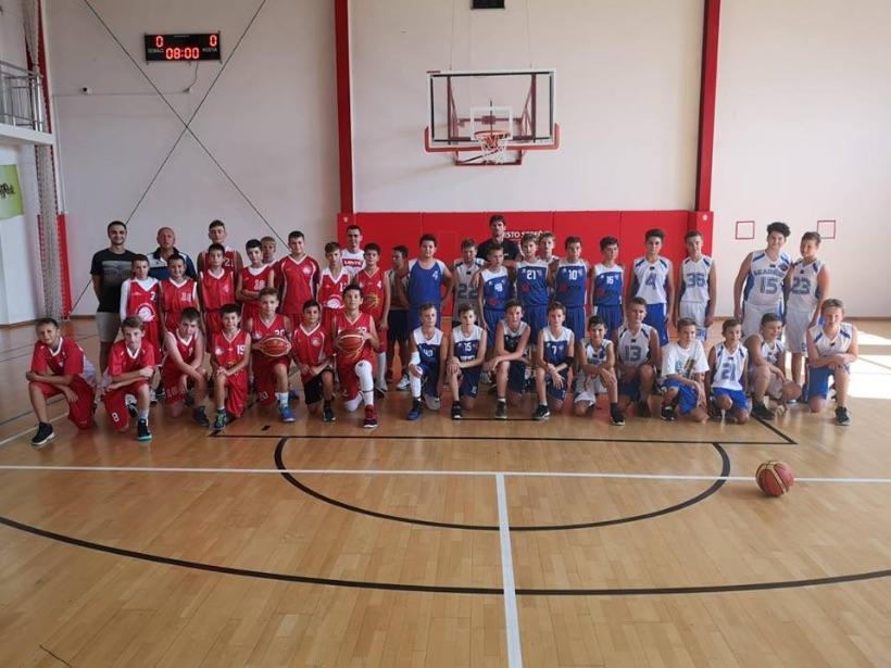 Mladší žiaci Lokomotívy Sereď organizovali 1-dňový turnaj v Sokolovni