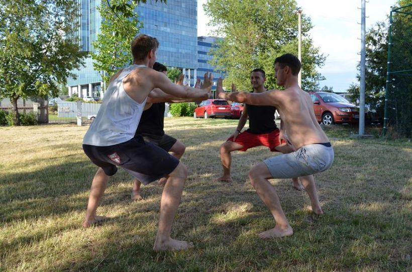 3 efektívne cviky na nohy s vlastnou váhou