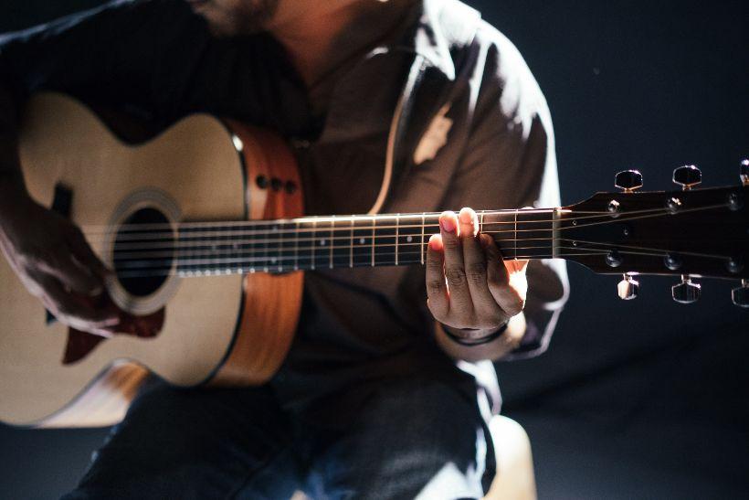 AKO a PREČO cvičiť na gitare PRESNOSŤ?