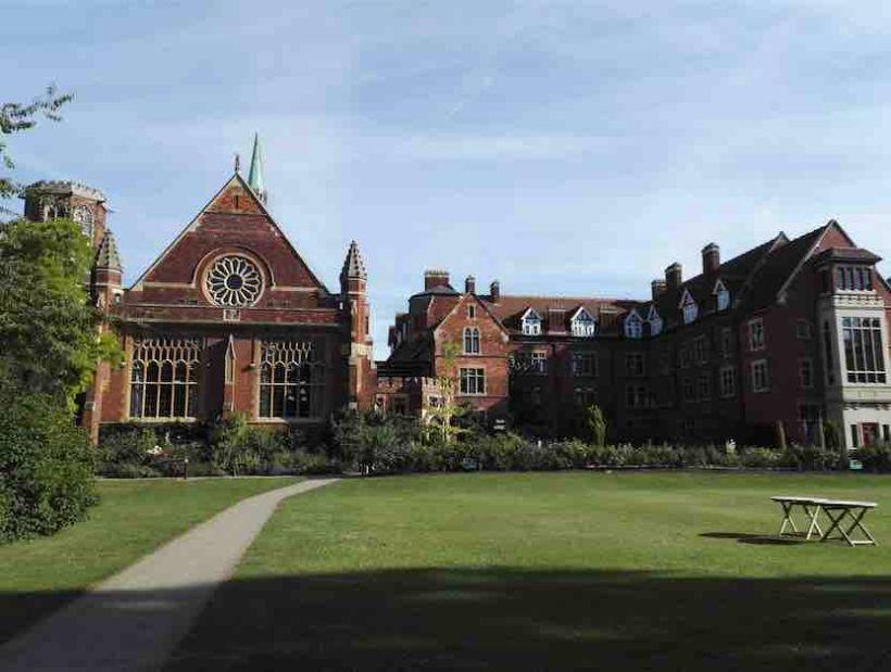 Čo očakávať od kurzu pre učiteľov na škole Bell v Cambridge?