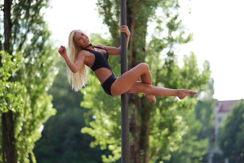 Pole dance: Umenie tancovať vertikálne