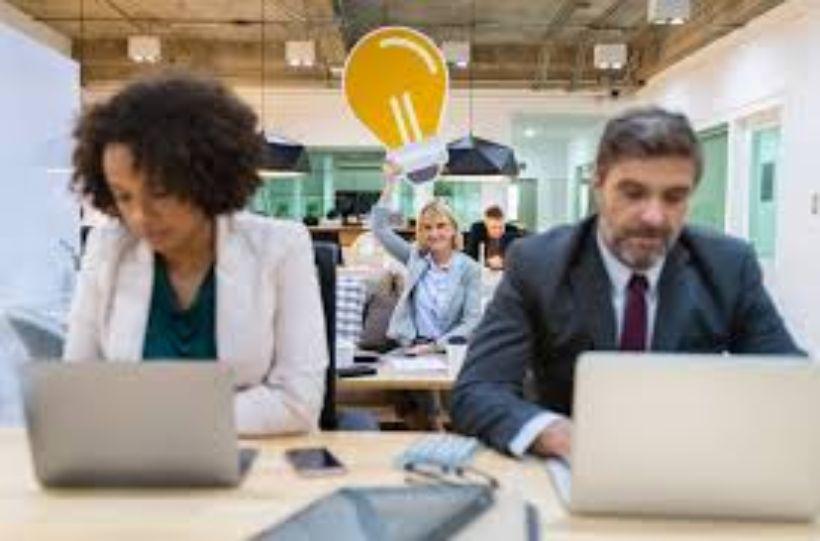 Od líniových manažérov sa očakáva, že tieto ciele pretransformujú, jasne odkomunikujú a.
