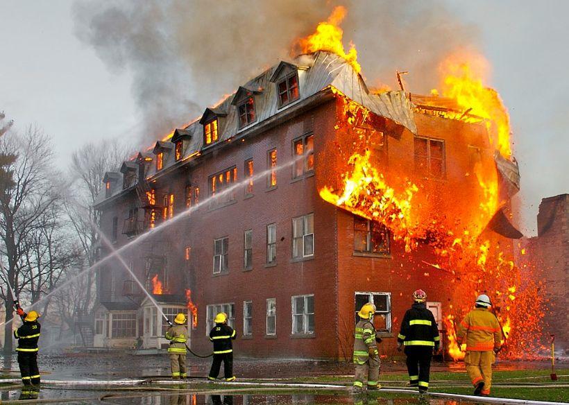 Čo robiť pri požiari? Odporúčania hasičov