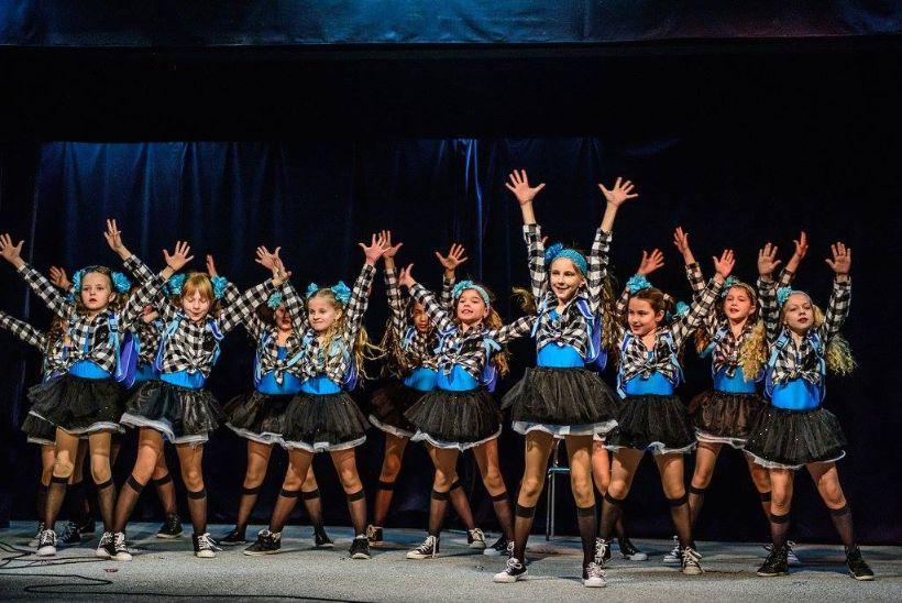 Roztancujeme mesto | Tancom okolo sveta